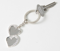Amantes Key Chain w/Crystals    Custom